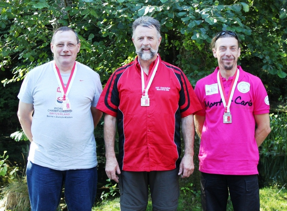 2012 2 poses Amy Constantin, Paul Frachebourg,Mirko Giottonini